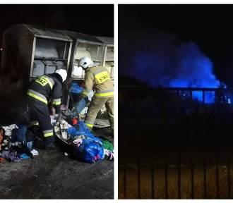 Pożar kontenera PCK z ubraniami w Kowalu [zdjęcia]