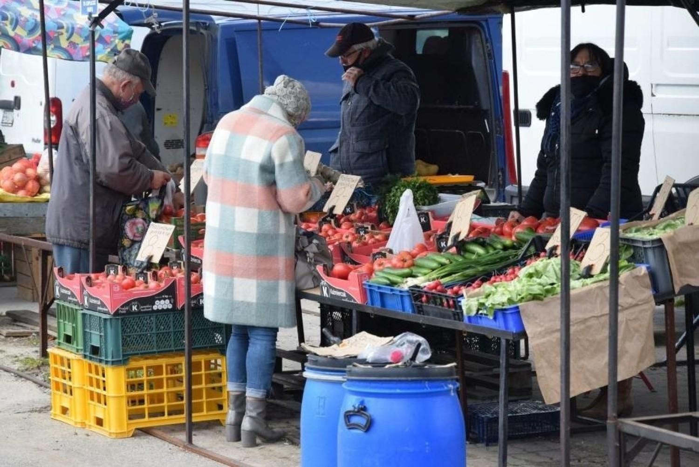 Warzywa i owoce na koneckim targowisku. Jakie ceny we wtorek, 27 kwietnia?