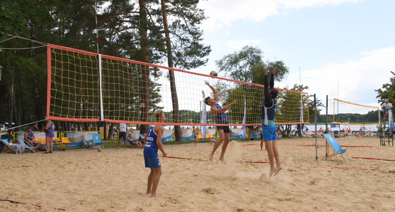 Turniej piłki plażowej nad  jez. Głębokie,