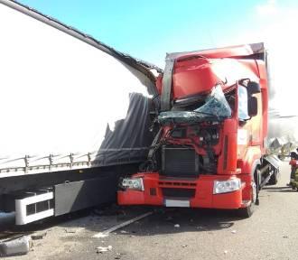 Wypadek na A4. Zderzyły się dwie ciężarówki [ZDJĘCIA]