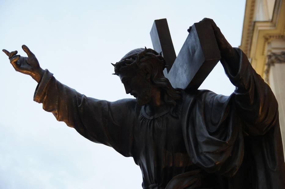 -  W modlitwie powszechnej modlimy się za rządzących naszym krajem i miastem