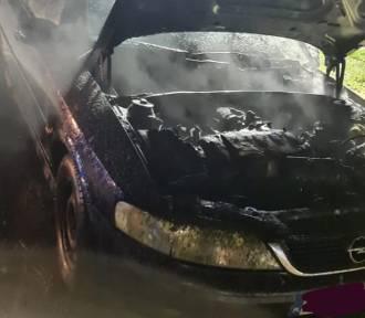 OSP Żukowo w akcji. Wypadek w Lniskach i pożar samochodu - dwie osoby poszkodowane