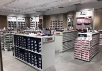 d3ef02e49 Nowa sieć sklepów z markowymi butami i torebkami wkracza do stolicy