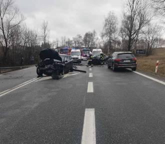 Śmiertelny wypadek na drodze 94. Zginęła 46-latka
