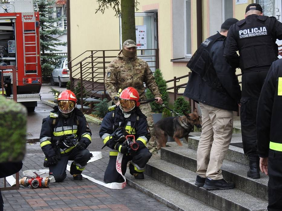 Zgłoszenie o bombie trafiło także do II LO w Bielsku Podlaskim, czyli tzw