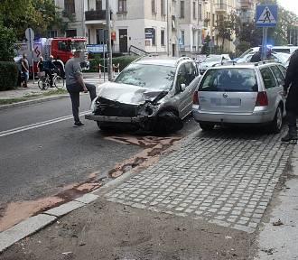 Wypadek na skrzyżowaniu ul. Rataja z Orzeszkowej [ZDJĘCIA]
