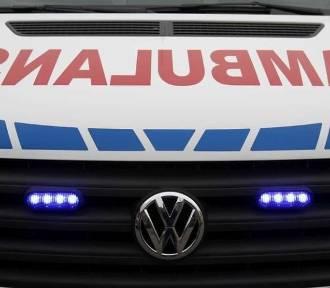 Zderzenie tramwaju z ambulansem do przewozu krwi w Poznaniu. Jedna osoba ranna