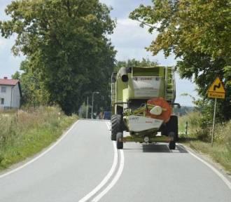 Uważajcie na kombajny zbożowe i maszyny rolnicze na drogach!