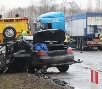 Koszmarny wypadek pod Ozorkowem. 32-latek zmarł w szpitalu!