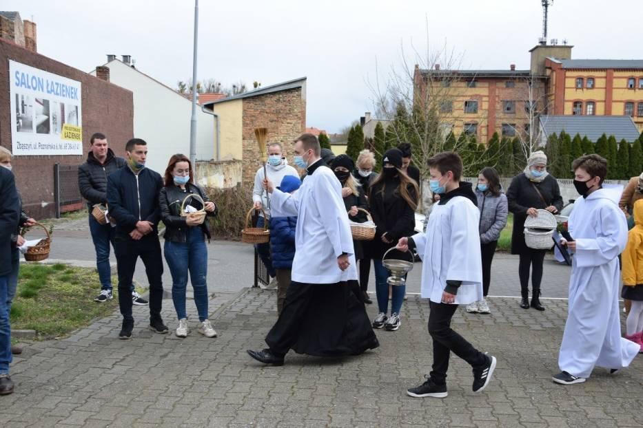 Święcenie potraw. Parafia pw. NMP Wniebowziętej w Zbąszyniu - 3 kwietnia 2021, godz.14.00