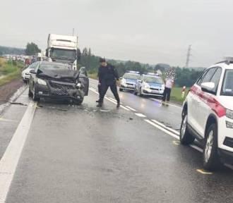 Uwaga kierowcy! Wypadek na DK 8, droga zablokowana
