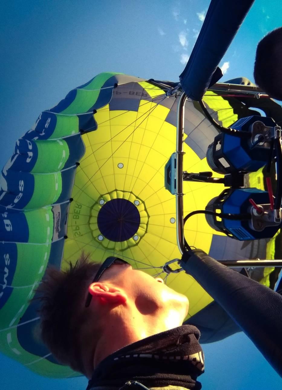 W czwartkowe popołudnie i wieczór można było podziwiać balony latające nad Poznaniem
