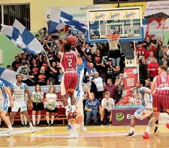 Koszykówka: Polpharma Starogard pokonała Spójnię Stargard 93:90