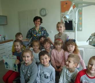 Nie taki dentysta straszny, jak o nim mówią…Skierniewickie przedszkolaki z wizytą u cioci Justyny...