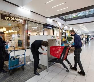 Pierwsza w Polsce maszyna do odkażania zakupów stanęła w Bydgoszczy