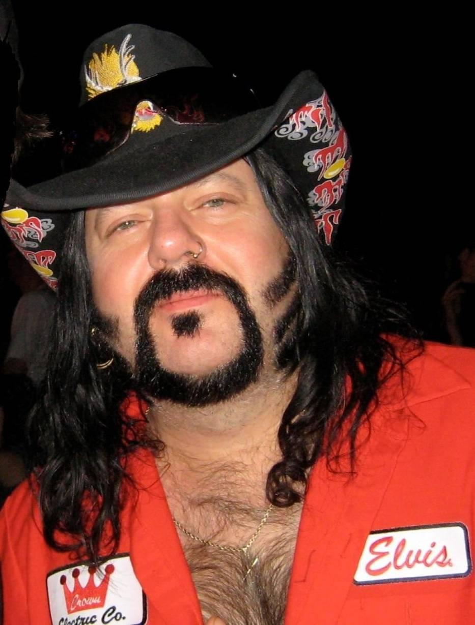 Vincent Paul Abbott, znany jako Vinnie Paul, nie żyje - taka informacja opublikowana została na oficjalnej stronie zespołu Pantera na Facebooku