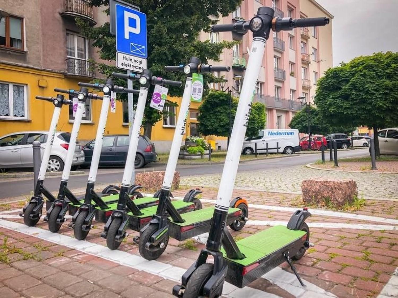 Hulajnogi elektryczne w Katowicach, Sosnowcu czy Gliwicach będą jeździły zimą? Czy wprowadzą ograniczenia dla hulajnóg?