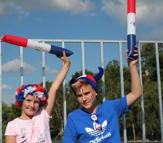 Mecz finałowy w Strefie Kibica w Gnieźnie. Francja wygrała z Chorwacją, a gnieźnianie kibicowali