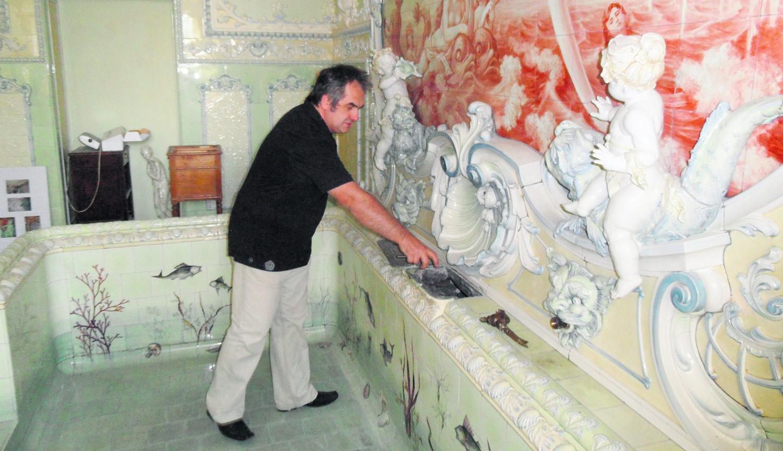 Ryszard Szymonowicz prezentuje przepiękny pokój kąpielowy