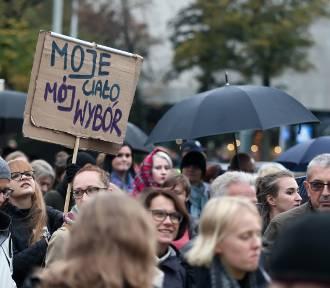 Trójmiasto w walce o prawa kobiet. 16 Dni Przeciw Przemocy [zdjęcia]