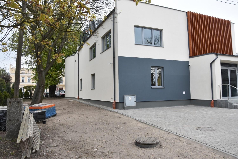 Budynek SzDK zyskał zupełnie inny, nowoczesny kształt