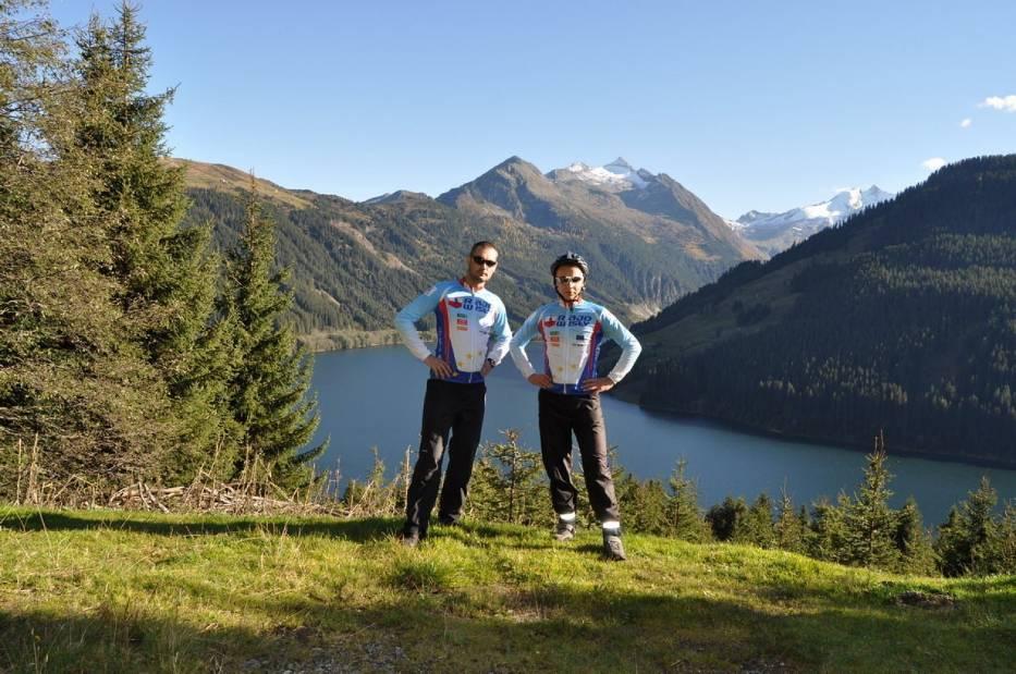Michał Kasperczyk i Łukasz Rozmus na trasie wyprawy rowerowej w Alpach