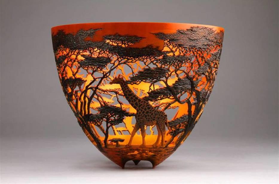 Niesamowite misy inspirowane kenijską sztuką. Co za detale!