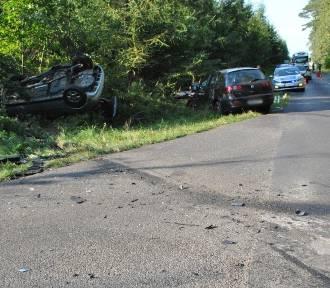 Wypadek w Nowej Wsi. Trzy osoby trafiły do szpitala [zdjęcia]