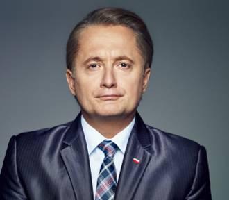 Ucho Prezesa w Teatrze 6. Piętro. W Warszawie zobaczymy bój o schedę po Prezesie. O spektaklu rozmawiamy