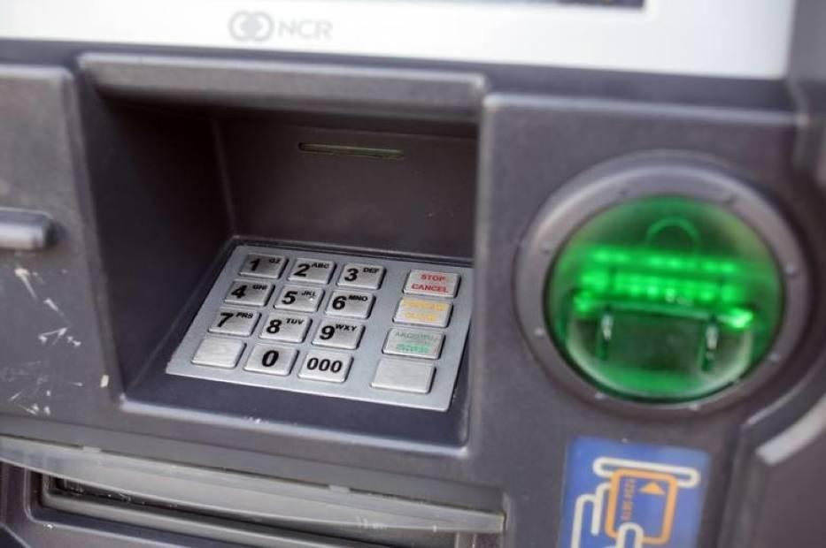 Euronet zmienia limit wypłat i wydziela pieniądze klientom
