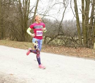 Kobieta na 5. Panie pobiegły w specjalnym wyścigu z okazji Dnia Kobiet. Zdjęcia z wydarzenia