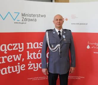 Policjant z Kościana w gronie odznaczonych, mundurowych dawców krwi [FOTO]