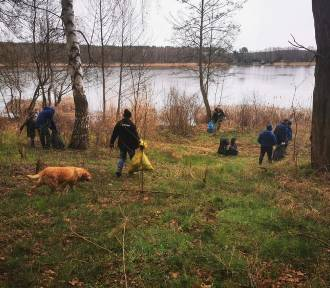 W sobotę zebrali pół tony śmieci wokół jeziora! Brawo, mieszkańcy Kolesina