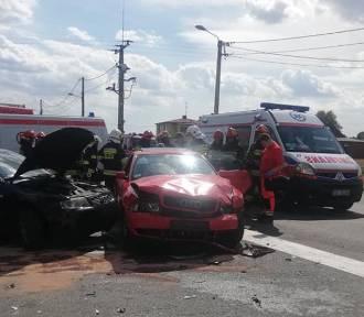 Wypadek w Połomi. Zderzenie trzech aut na skrzyżowaniu