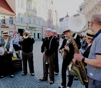 Jazz na ulicach Zielonej Góry. Co to była za parada!
