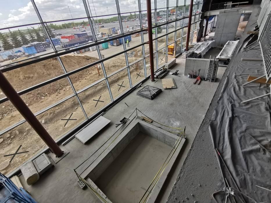 Nowa elewacja, fundamenty trawelatora