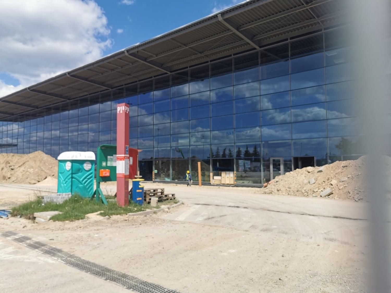 Nowa elewacja terminala B z zewnątrzZobacz kolejne zdjęcia