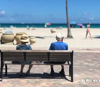 Ile lat pracujemy, zanim przejdziemy na emeryturę? Sprawdź