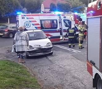 Groźny wypadek motocyklisty. Kierowca auta uciekł. Był pijany