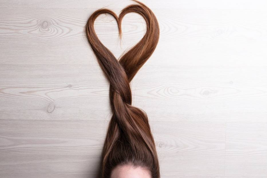 Te proste fryzury na co dzień wykonasz bez trudu, a inni będą patrzeć na Ciebie z zazdrością! Zobacz najlepsze inspiracje na kolejnych zdjęciach