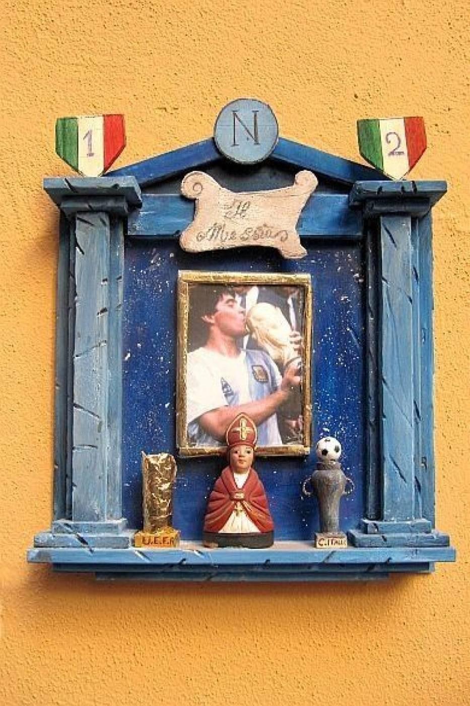 Kapliczka Maradona z Italii - Neapol Ii