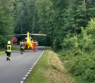 Wypadek w Lędzinach. Audi wpadło do rowu