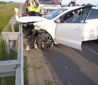 Stracił panowanie nad pojazdem i uderzył w bariery energochłonne. Miał 3 promile alkoholu!