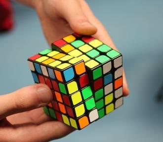 Układają kostkę Rubika w sieci. Trwa Puchar Polski online!