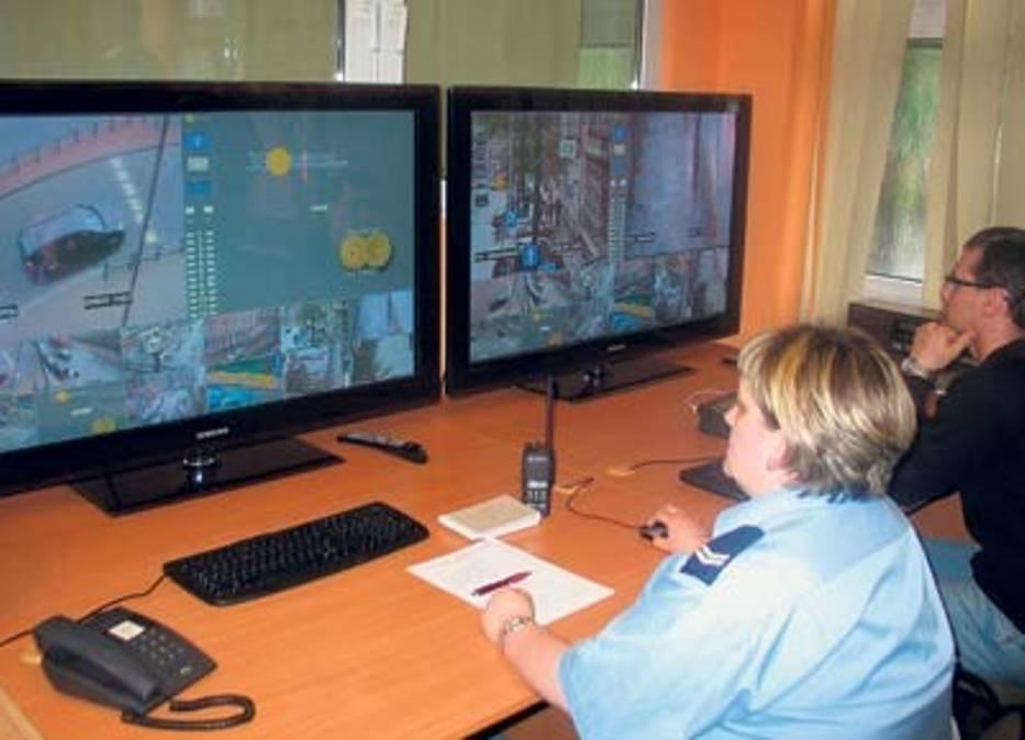 Obraz z ulic trafia na 50-calowe monitory