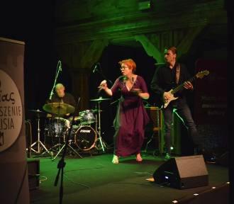 Akcelerator Kultury w Kaliszu. Koncert Joanny Knitter oraz Blues & Folk Connection