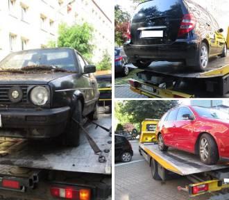 Straż Miejska odholowuje wraki samochodów w Katowicach