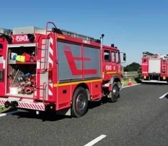 Wypadek w Rudzińcu. Na A4 zderzyły się dwa samochody, ranna 14-letnia dziewczynka
