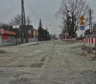 Na ul. Saperów nadal trwa remont. Opóźnienia wynoszą już niemal 3 miesiące [zdjęcia, wideo]