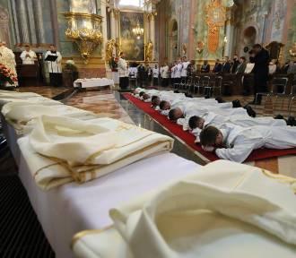 W Lublinie przybyło 10 księży. Mimo to, kapłanów ubywa